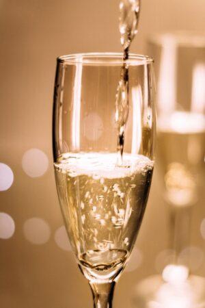 wine-glass-1850097